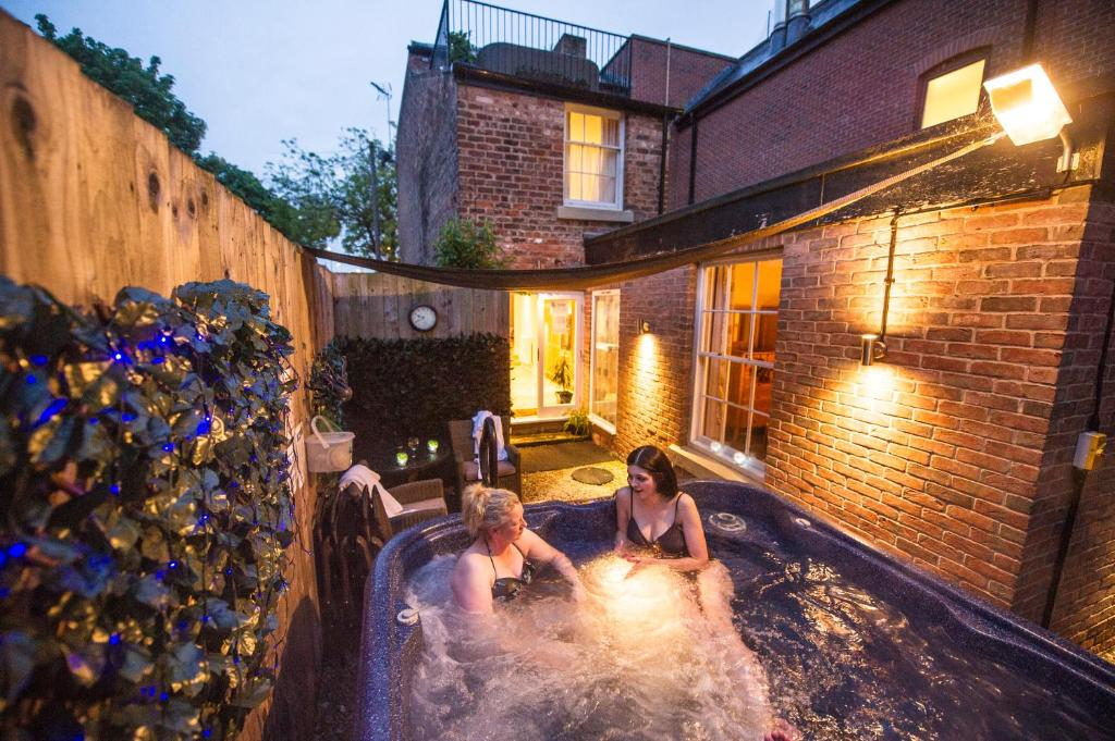 Chester Apartments Uk Booking Com