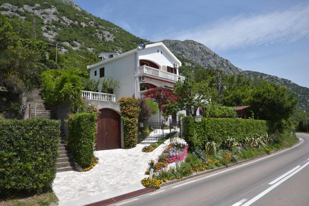 Установка кондиционеров черногория установка кондиционера daikin стоимость