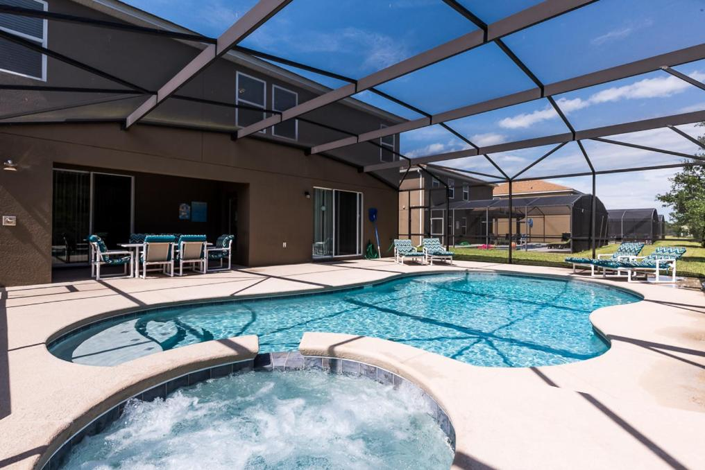 Orlando luxury 6 bedroom villa kissimmee fl 5 bedroom resorts in orlando fl