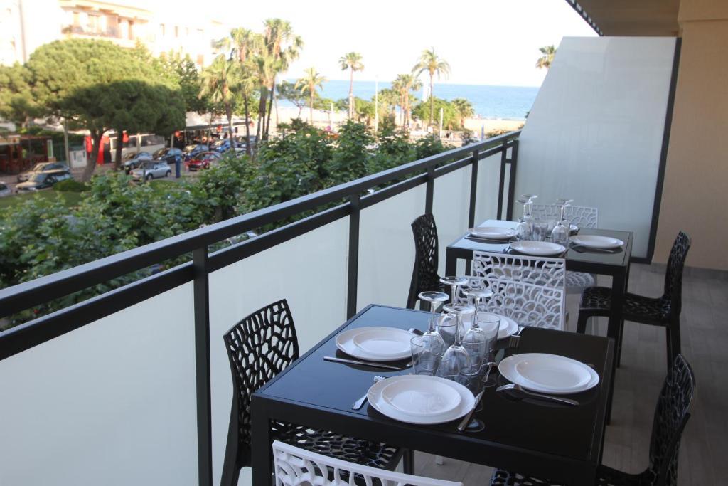 gran imagen de Click & Booking Cambrils Playa Spa