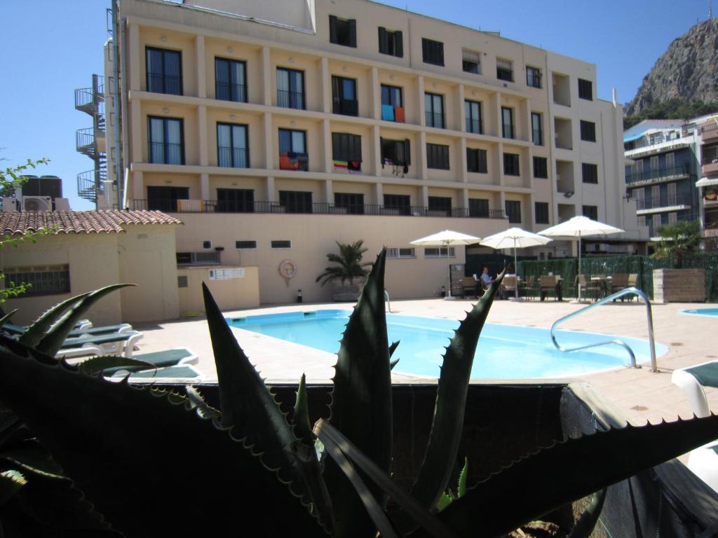 Bassenget på eller i nærheten av Hotel Medes II