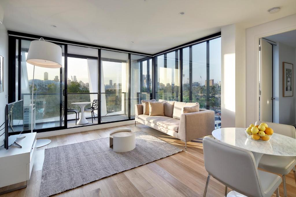 A seating area at 381 Cremorne