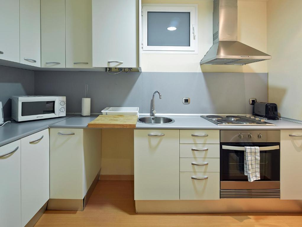 Cozy Apartment Casanova-Eixample