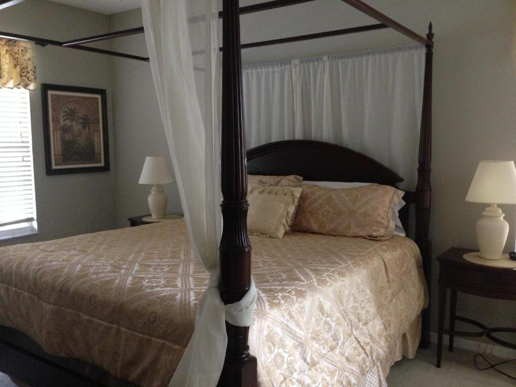 Vacation Home Orlando Vacation Rental Homes Kissimmee Fl   10 Bedroom. 10 Bedroom Vacation Homes In Orlando   cryp us