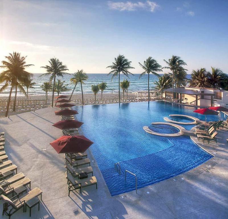 Azul Fives Hotel Playa Del Carmen 2018 World S Best Hotels