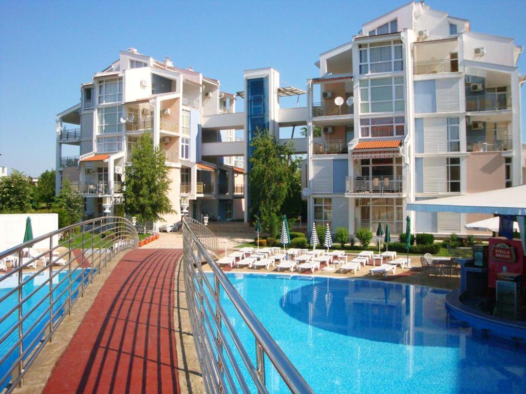 Aparthotel elit 2 pantai sunny harga terkini 2018 - Sunny beach pools ...