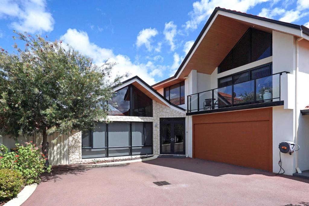 Apartment swanriver applecross shortstays perth australia gallery image of this property reheart Choice Image