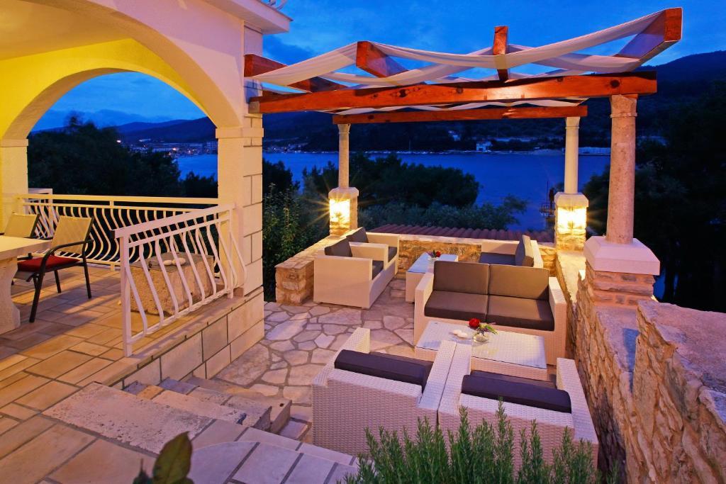 The lounge or bar area at Hotel Villa Telenta