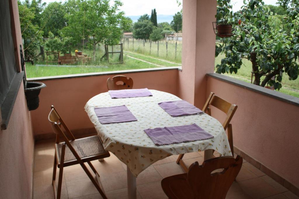 Lo Chalet Del Lago, Trevignano Romano, Italy - Booking.com