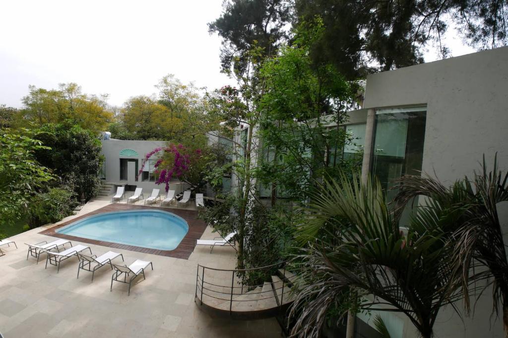 The swimming pool at or near Casa Tepoztlán