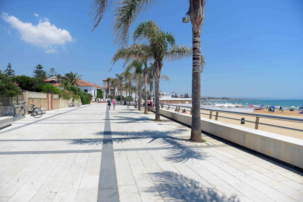 Appartement casa vacanza marina di ragusa inclusief foto for Disegni di case vacanza