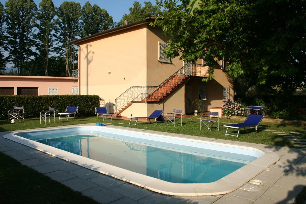 Apartment valley of light lucca italy - Hotels in lucca italy with swimming pool ...