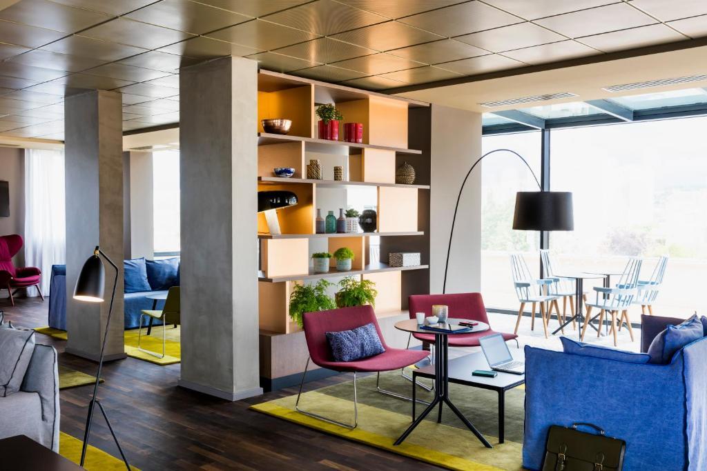 okko hotels paris rueil malmaison rueil malmaison france. Black Bedroom Furniture Sets. Home Design Ideas