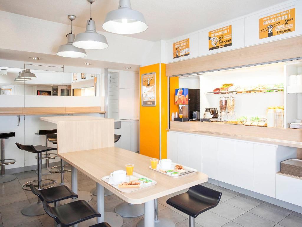 Hotelf salon de provence salon de provence u tarifs