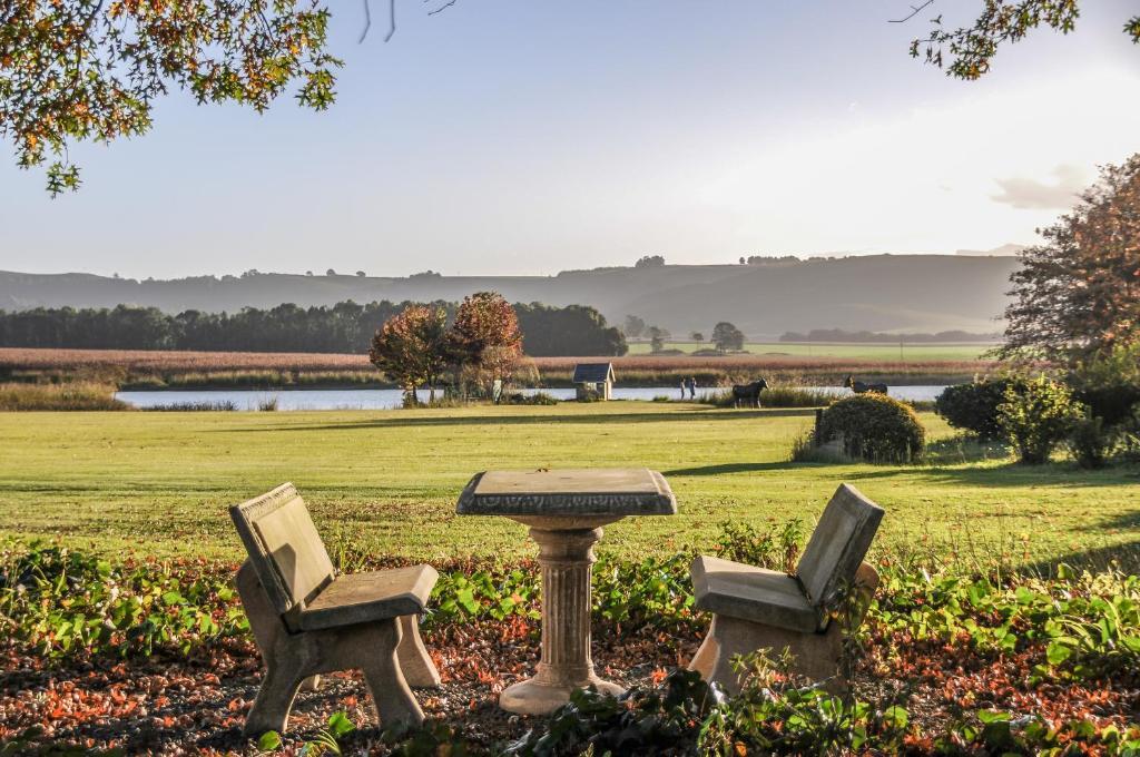 Jardín al aire libre en Moorcroft Manor Boutique Country Hotel