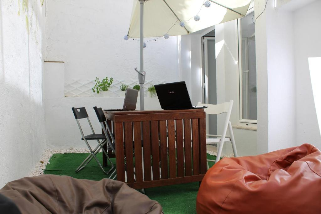 A seating area at Holla Hostel
