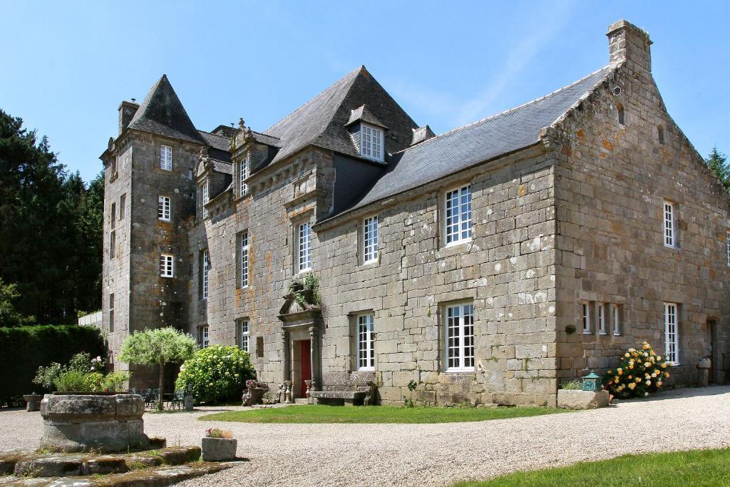 Градина пред Hotel The Originals Manoir de Moëllien (ex Relais du Silence)