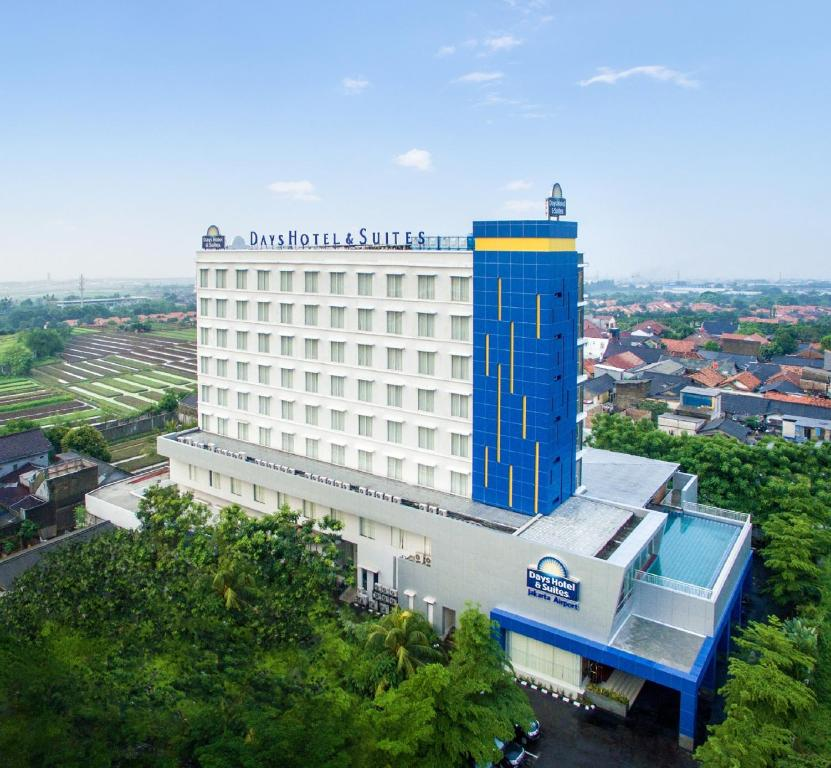 days hotel suites by wyndham tangerang indonesia booking com rh booking com