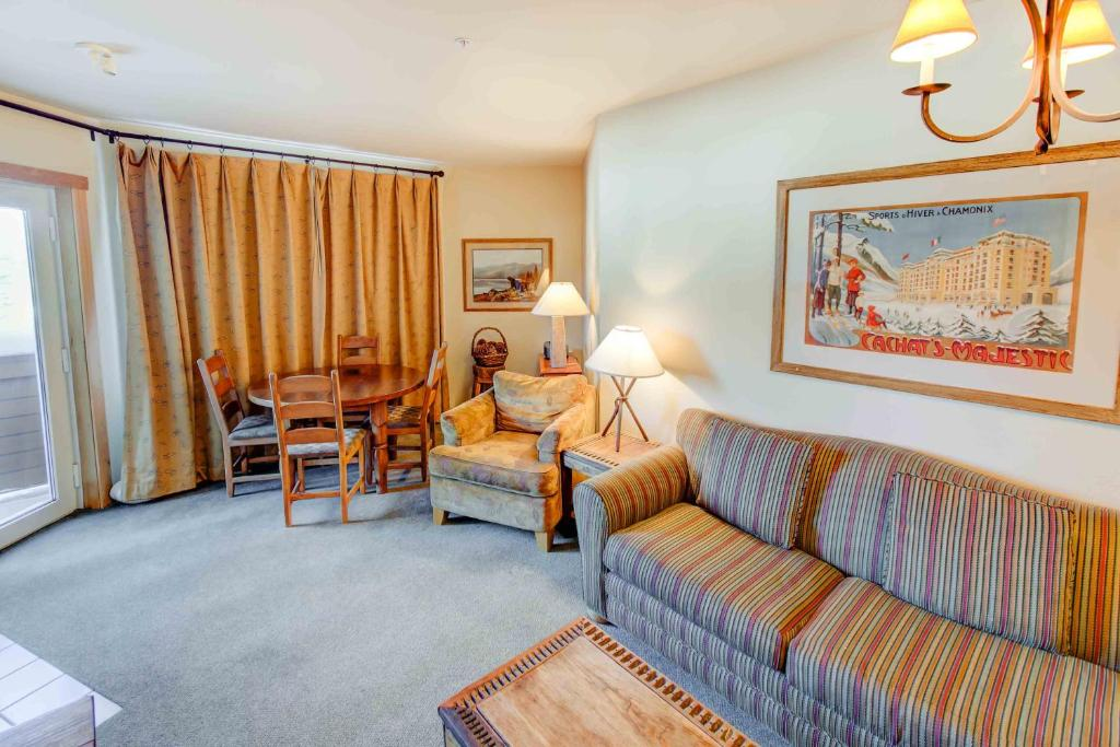 one bedroom condo. Gallery image of this property Juniper Springs  231 One Bedroom Condo Mammoth Lakes CA