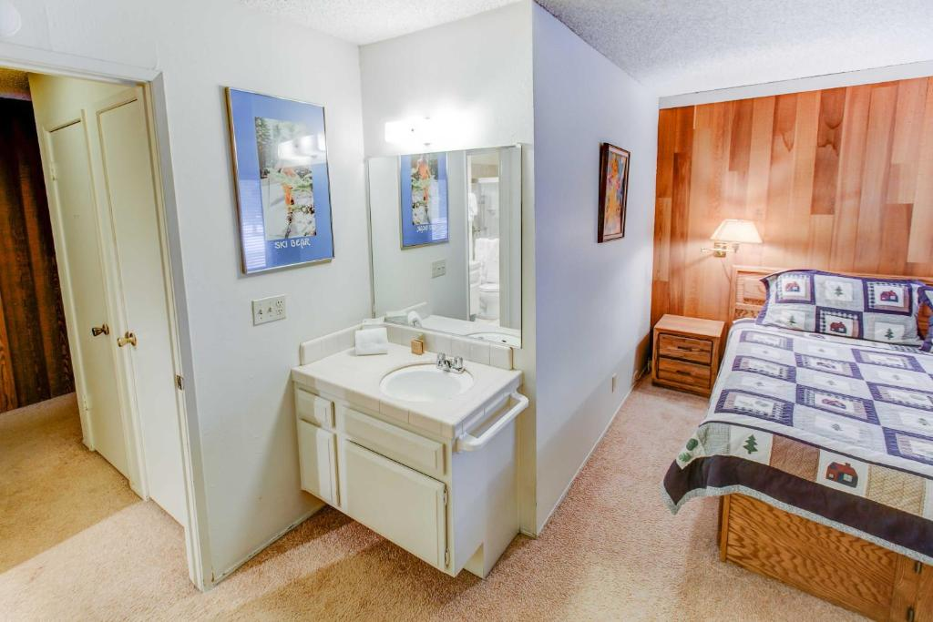 one bedroom condo. Gallery image of this property Sherwin Villas  63 One Bedroom Condo Mammoth Lakes CA
