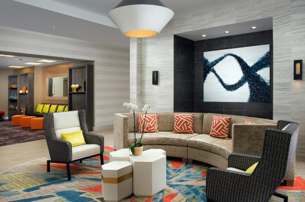 The lounge or bar area at Homewood Suites by Hilton Miami Downtown/Brickell