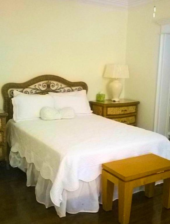 The Blue Inn Family Vacation Rental, Smith Point, Bahamas - Booking.com