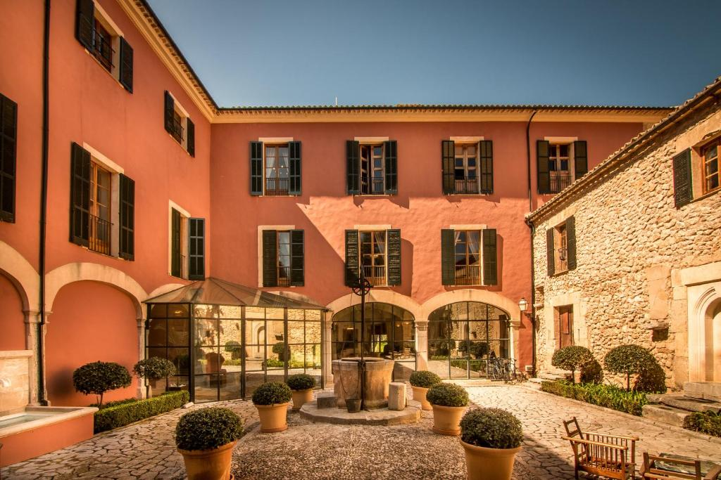 boutique hotels in puigpunyent  43