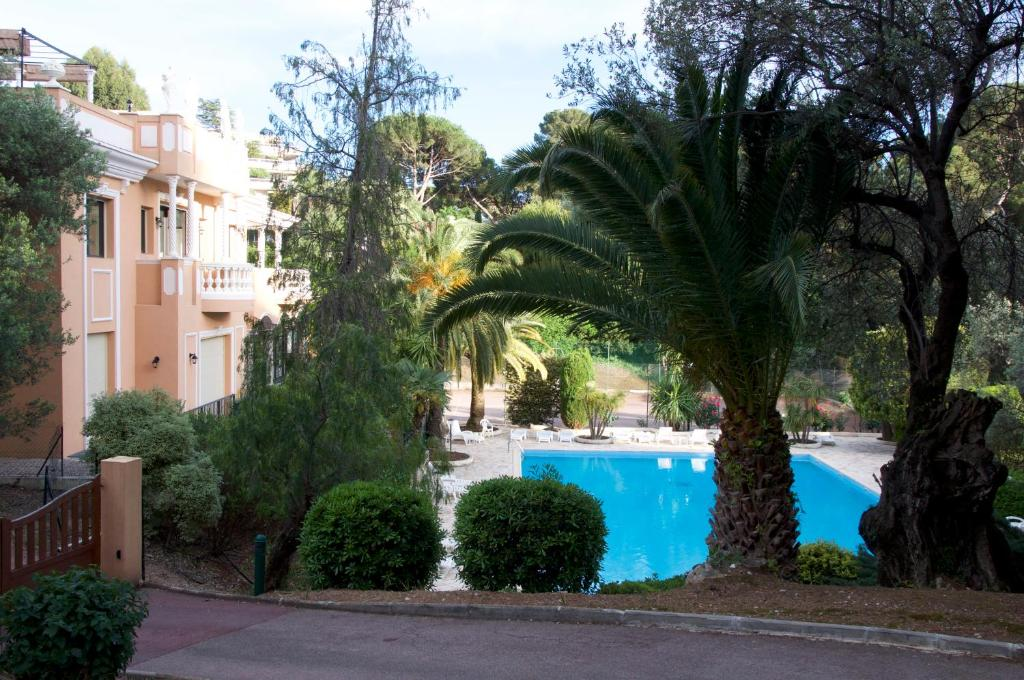 Apartment le dragonniere olympic pool roquebrune cap - Hotels in menton with swimming pool ...