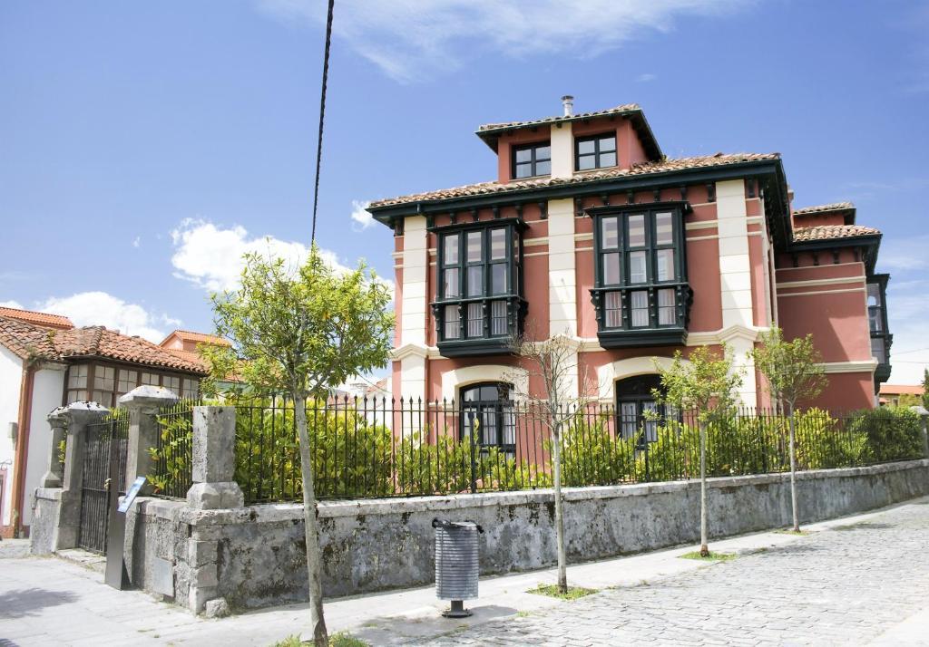 Apartamentos tur sticos la solana espa a colombres - Apartamentos turisticos cordoba espana ...