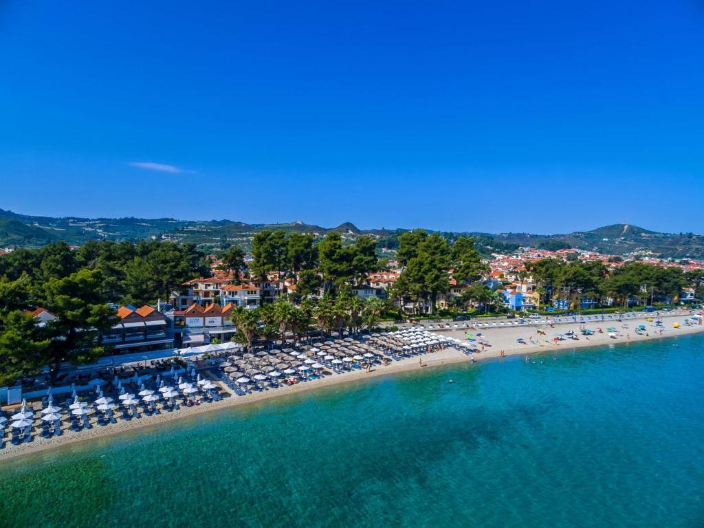 Flegra beach apartments pefkohori greece for Design boutique hotels chalkidiki