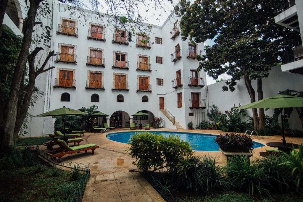 Piscine de l'établissement Hotel Meson del Marques ou située à proximité
