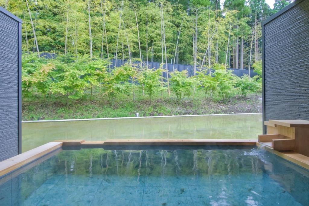 ポイント2.なめらかな天然水の貸し切り風呂