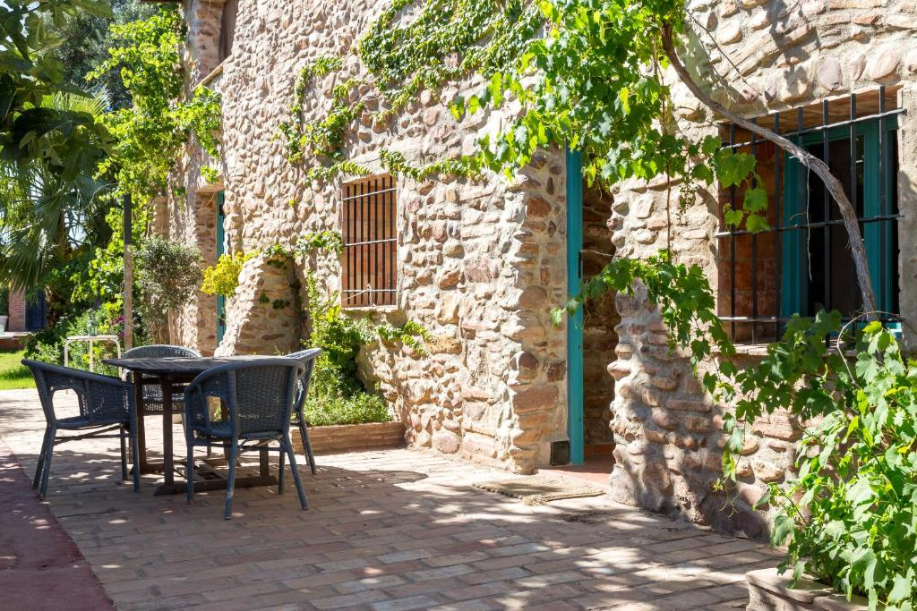 Villa rotonda espa a alquer as del ni o perdido for El jardin perdido