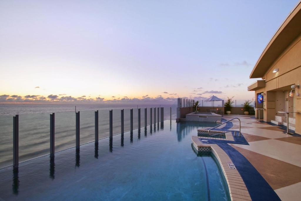 Resort Virginia Beach Hilton VA  Bookingcom