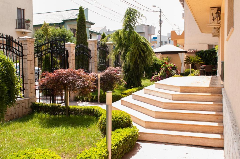 Jardín al aire libre en Pensiunea Ingrid