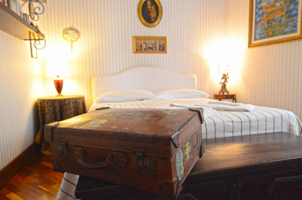 5 appartements en location naples jolis et ou pas chers vanupied. Black Bedroom Furniture Sets. Home Design Ideas