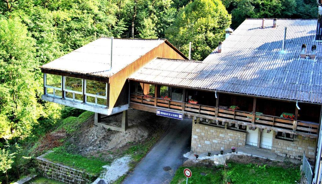 Hotel restaurant source france consolation maisonnettes for Site de reservation hotel francais