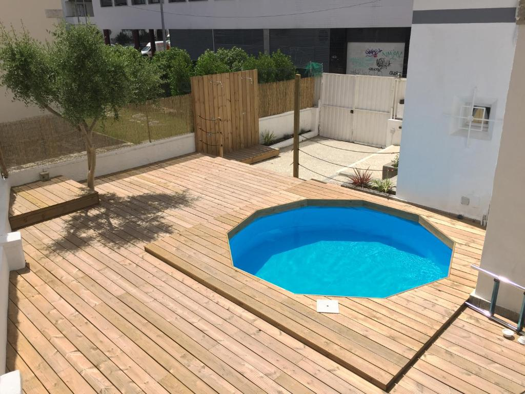 hostel kuta beach house costa da caparica portugal booking com