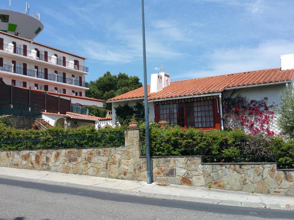 Apartment la maison du belvedere saint cyprien france for B b la maison st hubert