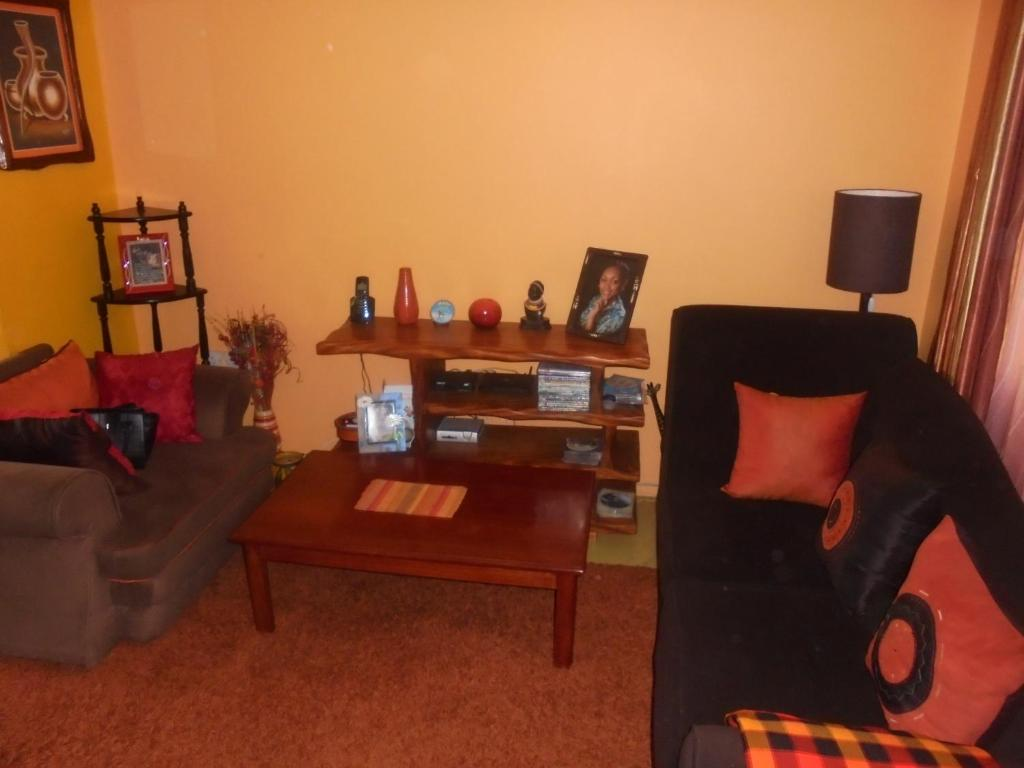 header rentals rental suites apartment short furnished in one mary bedroom toronto term am