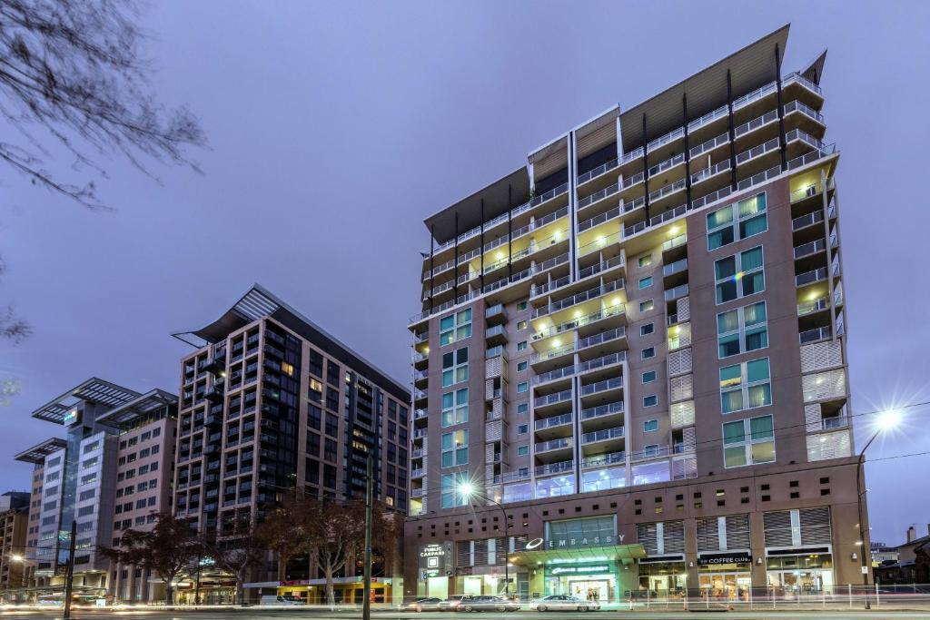 condo hotel oaks embassy adelaide australia. Black Bedroom Furniture Sets. Home Design Ideas