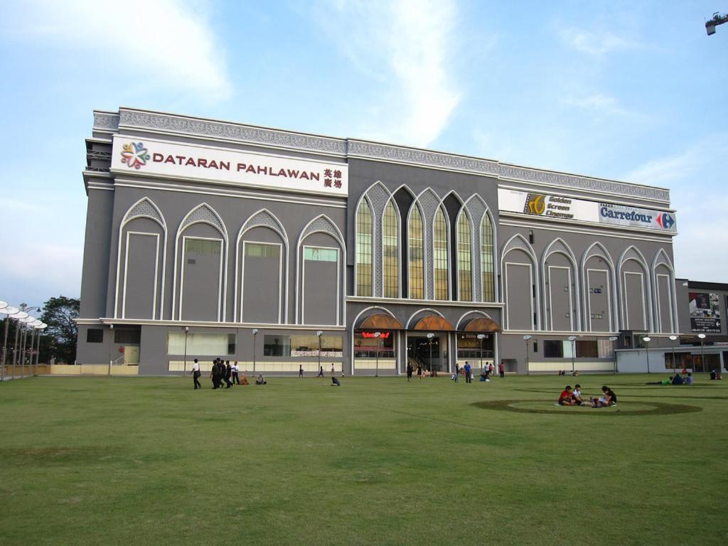 Hotels near Mahkota Medical Center, Malaysia. - Booking.com