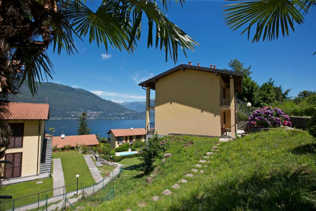 Apartment Casa Romantica Pino Lago Maggiore Italy Booking