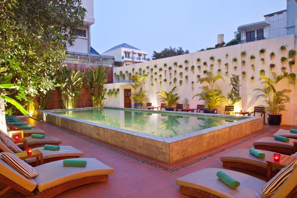 Teahouse Asian Urban Hotel Phnom Penh Cambodia Booking Com