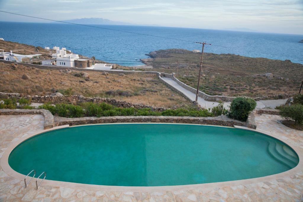 Uitzicht op het zwembad bij Villa Lia of in de buurt