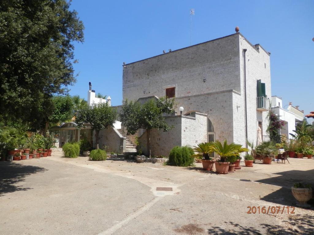The facade or entrance of B&B Masseria SD di Manchisi