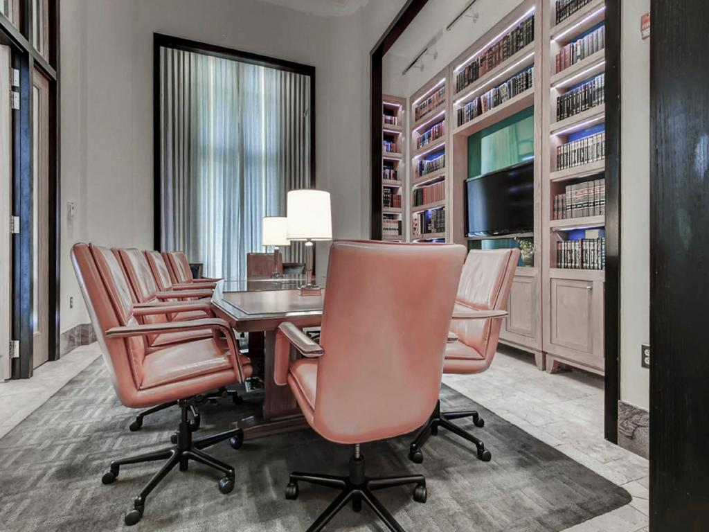 Global luxury suites at metropolitan south arlington usa rooms