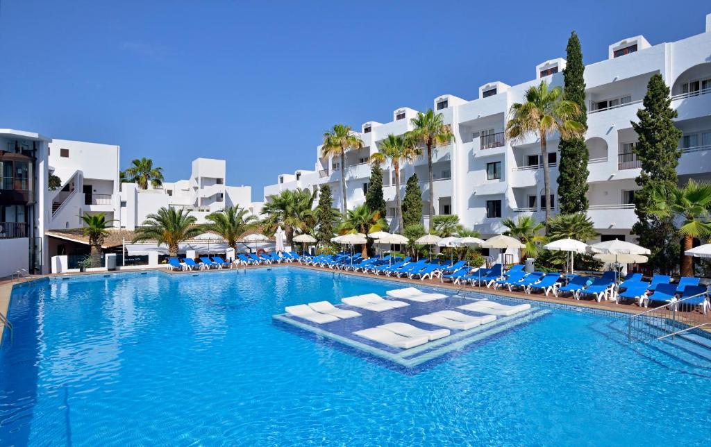 Condo Hotel Sol Cala DOr Aptmentos Cala dOr Spain Bookingcom