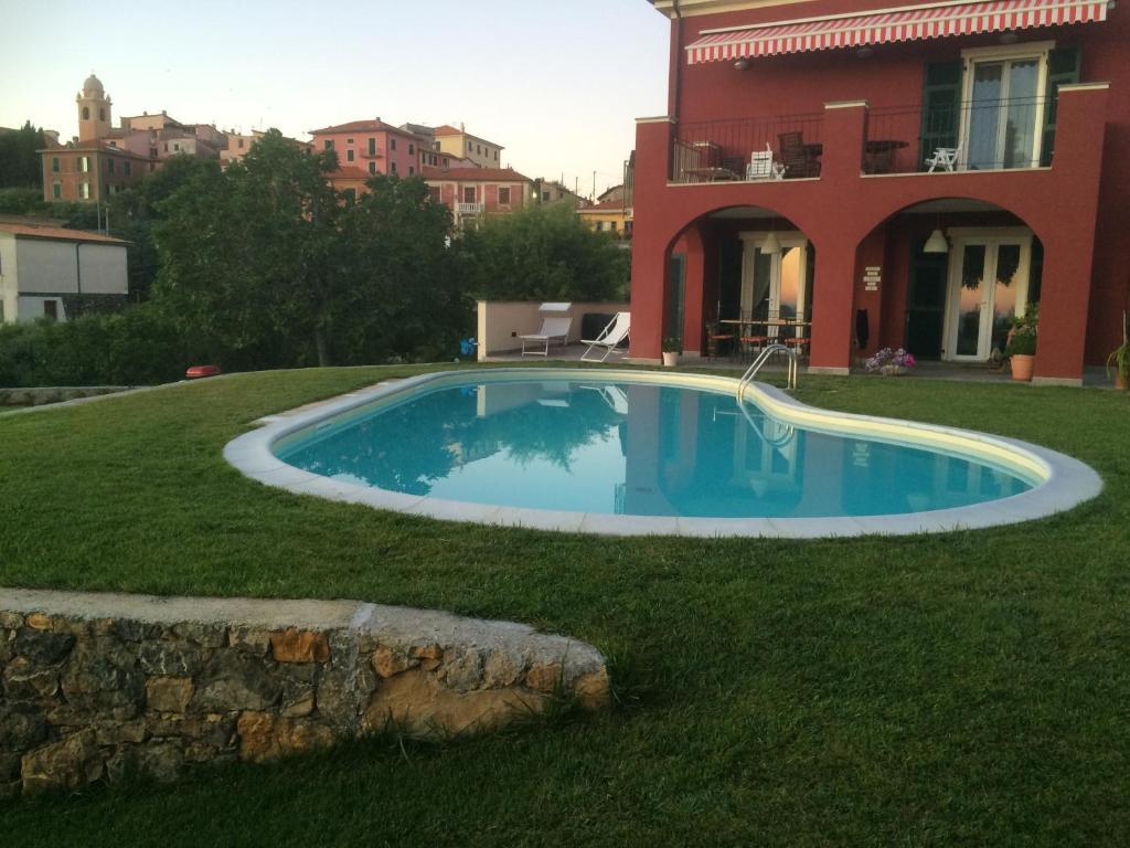 A garden outside Casa Il Sogno