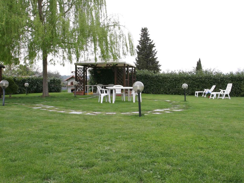 Casa vacanze il colombaino scandicci italia il portico for Piccola casa con avvolgente portico